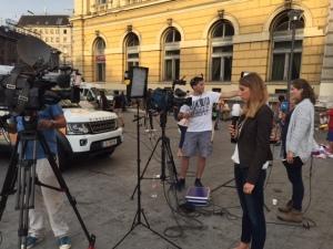 Jornalistas cobrindo a inacreditável situação dos refugiados