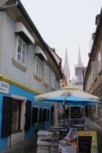 Ulica Skalinska, vários restaurantes e lojas de artesanato