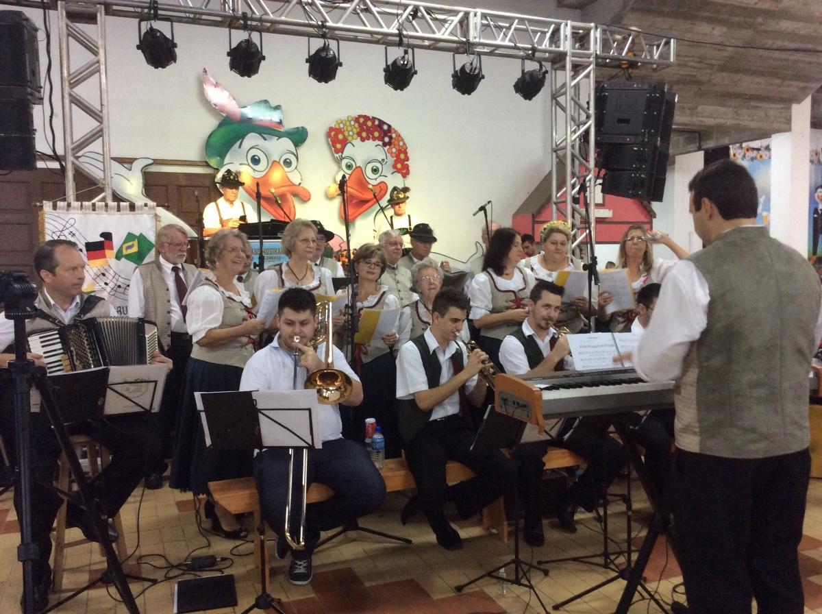 BRUSQUE E A FESTA DO MARRECO