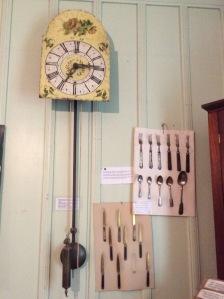 Peças antigas das famílias locais e alguns de seus utensílios, cedidas ao Museu